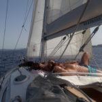 Barca a vela spaziosa