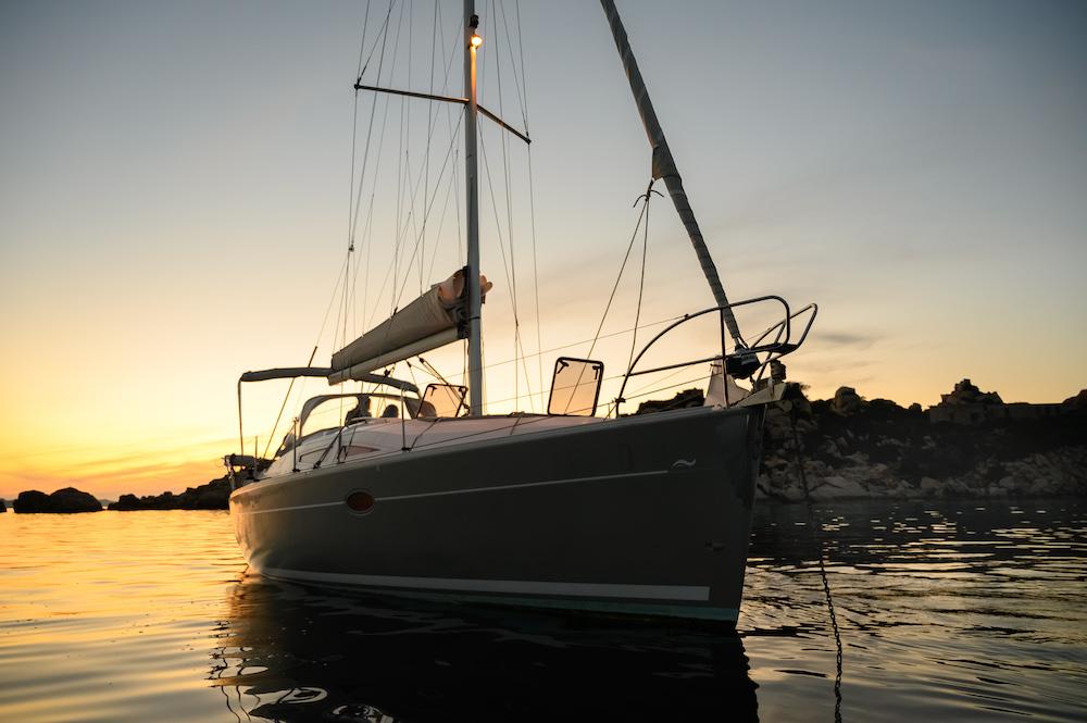 Sonnenuntergang auf dem Schiff Palau Sardinien