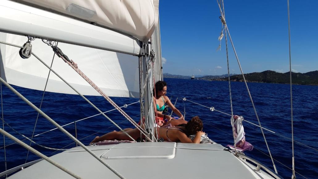 Ausflüge auf dem Segelschiff Maddalena Archipel  Dank dem Segelschiff CRI ist es möglich kleine Buchten und versteckte Strände im Maddalena Archipel anzusegeln. Eure Ausflüge auf dem Segelschiff sind immer abwechslungsreich, einzigartig und von Euch ausgewaehlt. Die Professionalität vom Seapassion Team garantiert Euch einen wunderschönen Tag!